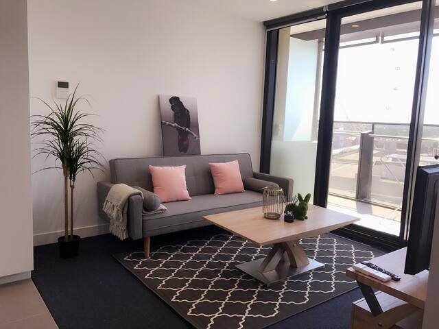 New Melb Star Apt/1min to Harbour Town/Free Tram - Docklands