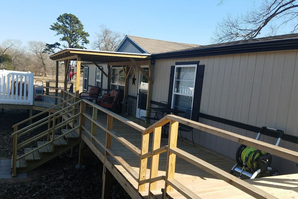 Deck & Covered Porch