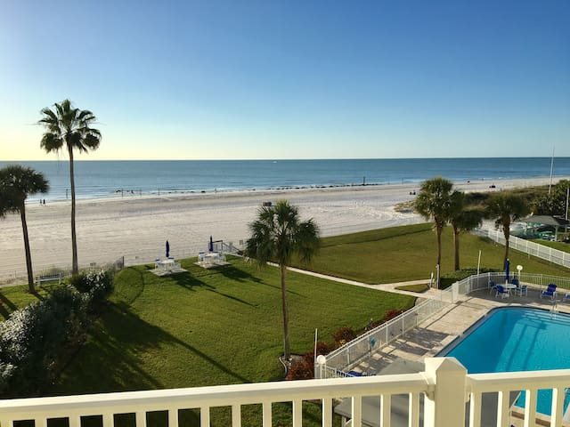 Direct Beachfront - Spectacular View - Redington Shores - Condominium