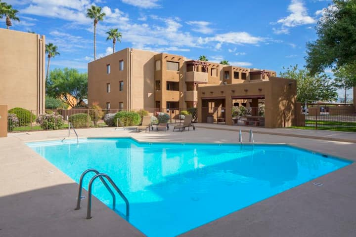 **USUALLY FULL** Condo! Location! Pool Gym Tennis!