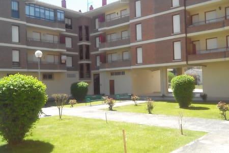 Apartamento en zona residencial - Villarcayo - Apartemen