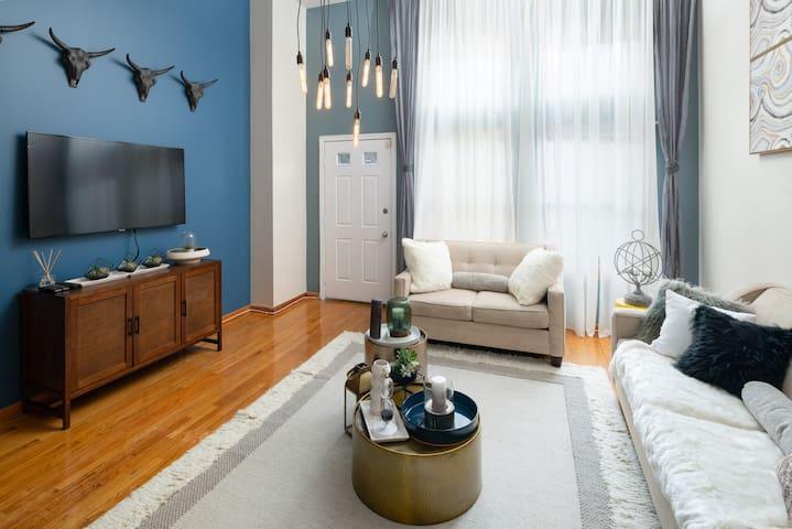 Amazing House 4Bedroom/ Sleep 12 / 10 Min to Soho