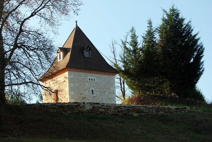 Lovely dovecote of La Reynerie