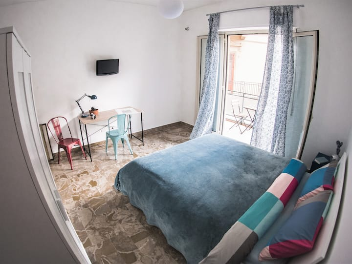 Be central Deluxe double room with balcony