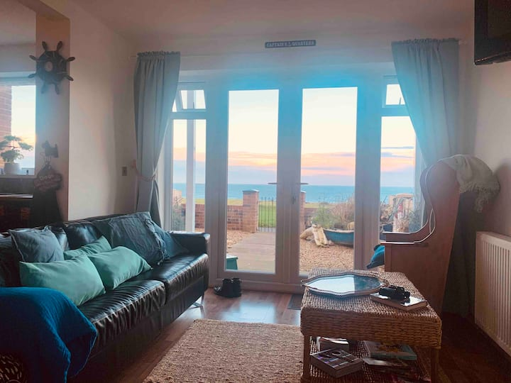 Captain's Quarters with sea view!  Dog friendly!