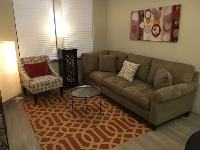 Modern 1 bdrm studio in Summerville - Summerville - Appartement