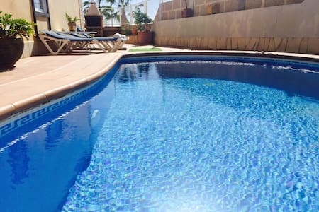 LUXURY VILLA  Exclusive   jacuzzi Bbq, Wifi