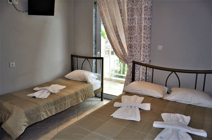 Beautiful Bedroom for 4 people in Limenaria, only five minutes away from center