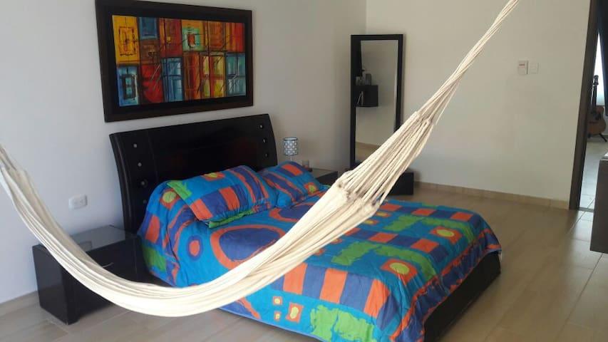 Amplia habitación en puerto Colombia