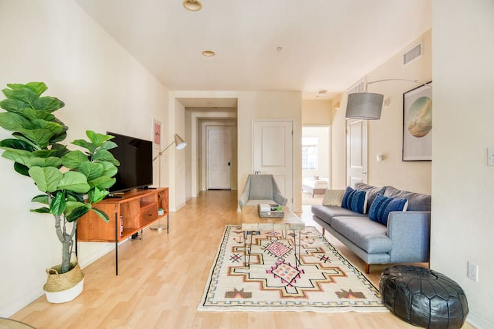 Wonderful 1BR in Pasadena, Parking + Pet-Friendly