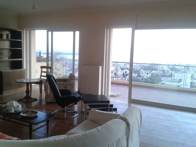 140 s.m.apartment with sea view - Athens - Flat