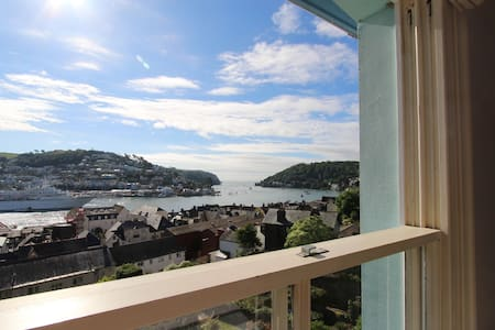 Alf's Above Town Room - Dartmouth