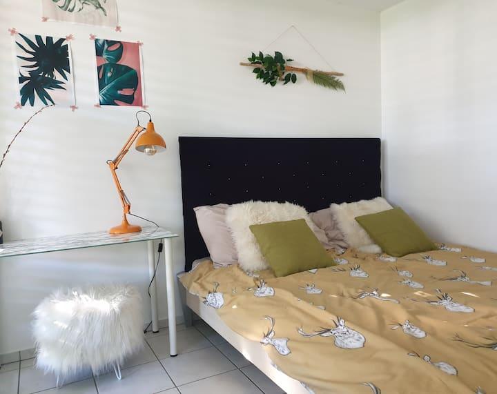 Helles Zimmer mit Bad&Terrasse am Bodensee-Radweg