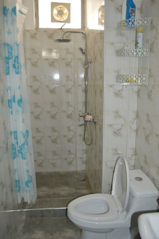 Main shower and WC