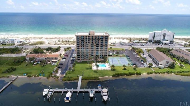 Beautiful Gulf View Waterfront Condo