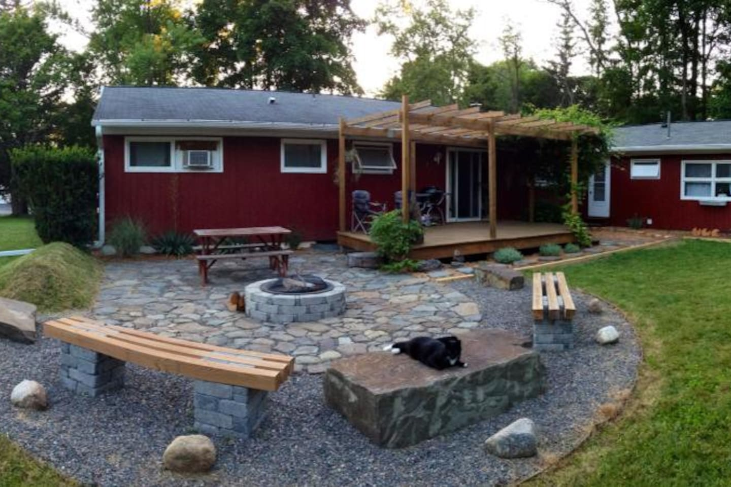 Back yard deck and patio w/firepit