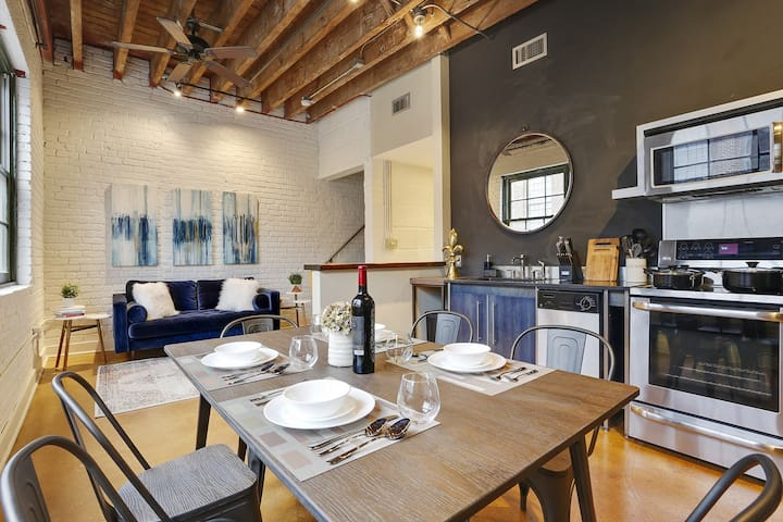 Domio | Warehouse District | Stunning Three Bedroom