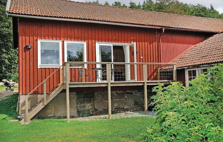 Holiday apartment with 2 bedrooms on 50 m² in Svanesund