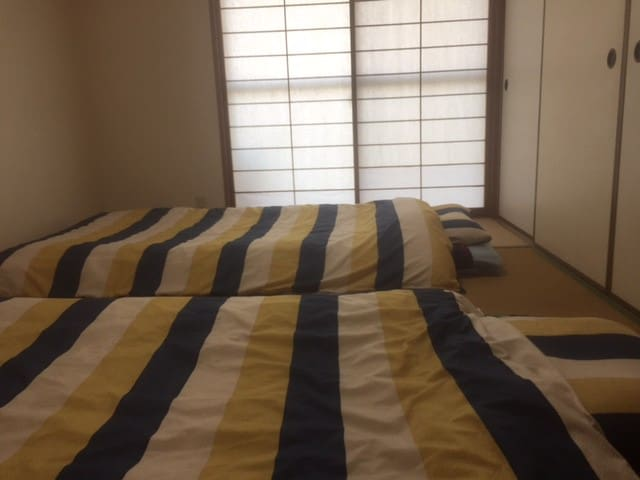 民泊癒しの宿雅(みやび) 部屋は自分の家に帰ったように寛げる和室 宇多津は四季折々に風情がある町です