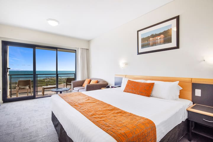 Oceanview Hotel Studio at Quality Resort Sorrento