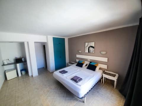 Family room with balcony 206/306