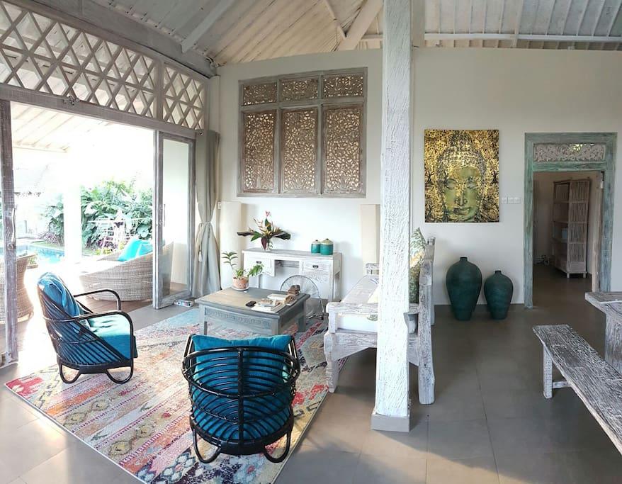 villa cahaya 2 bedroom tranquility garden pool villas louer ubud bali indon sie. Black Bedroom Furniture Sets. Home Design Ideas