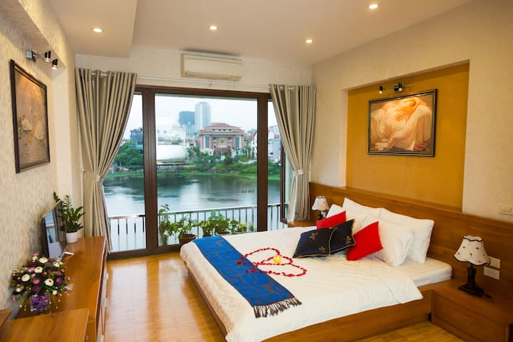 Quite and Cozy 2BR Apartment with West Lake view