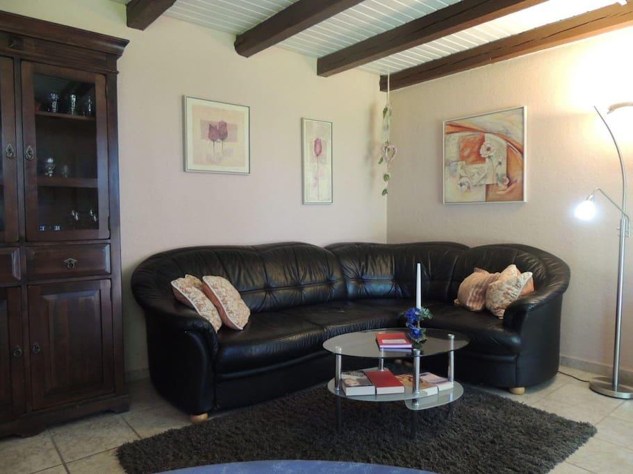Sitzecke mit Leder Couchgarnitur