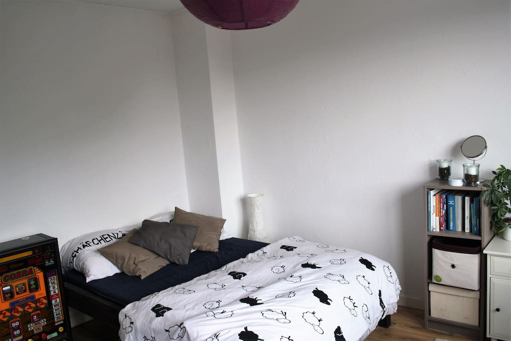zimmer in studenten wg apartments for rent in hamburg hamburg germany. Black Bedroom Furniture Sets. Home Design Ideas
