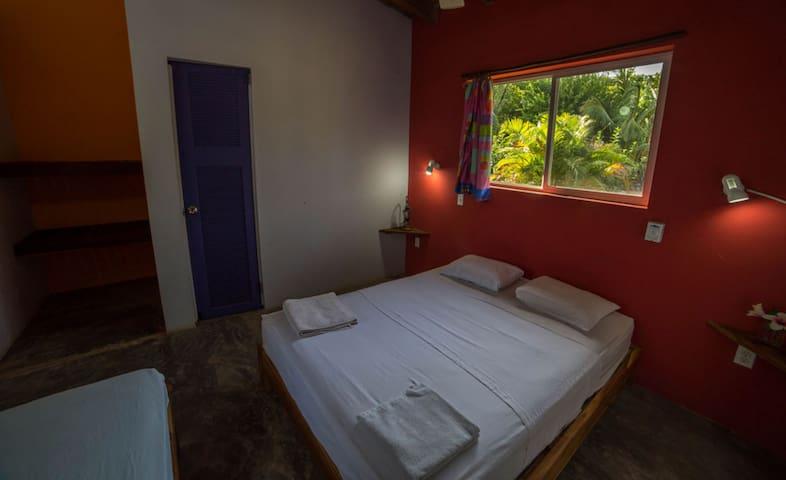 Hostel Venao Cove - Private Room with en suite bathroom