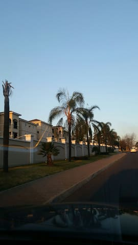 Home away from home. 2bed Apartment - Midrand - Apartment