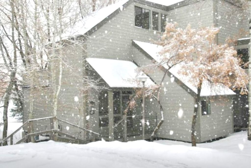 """Fantastic Location this great Townhome (""""StarCrest"""") is a 3 minute walk to the silver star ski lift at park city!"""