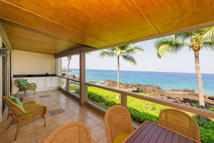 Gorgeous Oceanfront Keauhou Kona Surf & Racquet