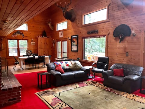 Premier, Secluded Lodge - Thanksgiving special!!