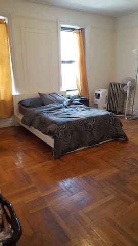 Spacious bedroom in Inwood