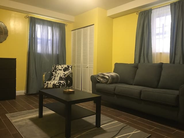 Cosy North Bronx studio apartment with Parking - Bronx - Daire
