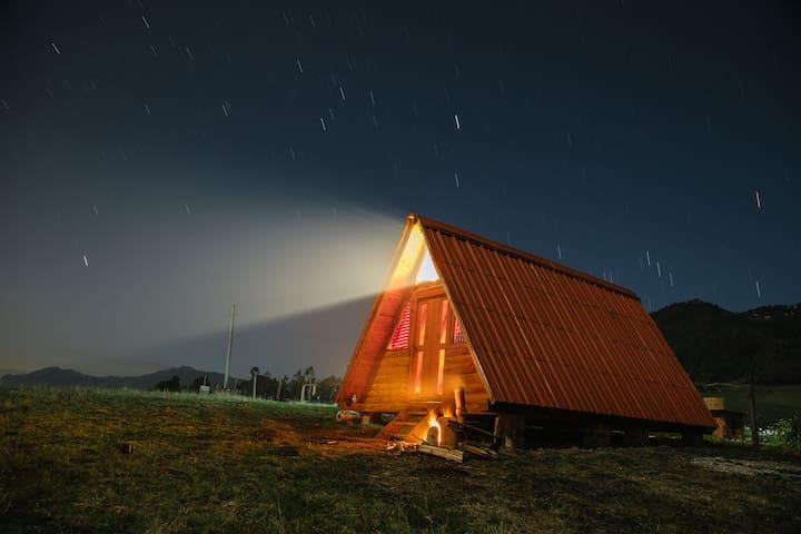 Hermosa cabaña con chimenea (La Villa Suiza Neusa) - Cogua - Appartement