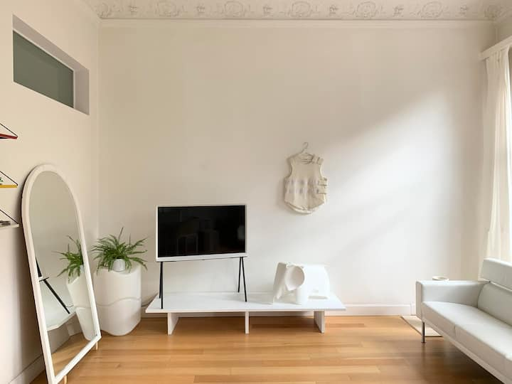 Bright One Bedroom in Antwerpen Zuid