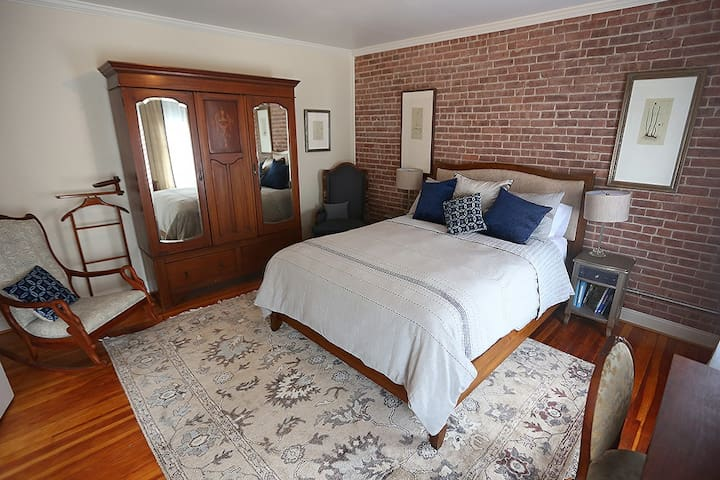 Front Queen Bedroom