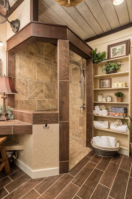 Custom bathroom w/large walk-in spa shower