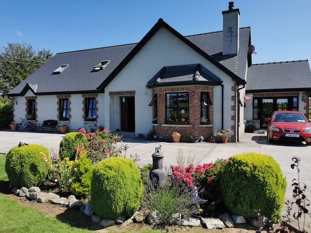 Family home in the heart of the country