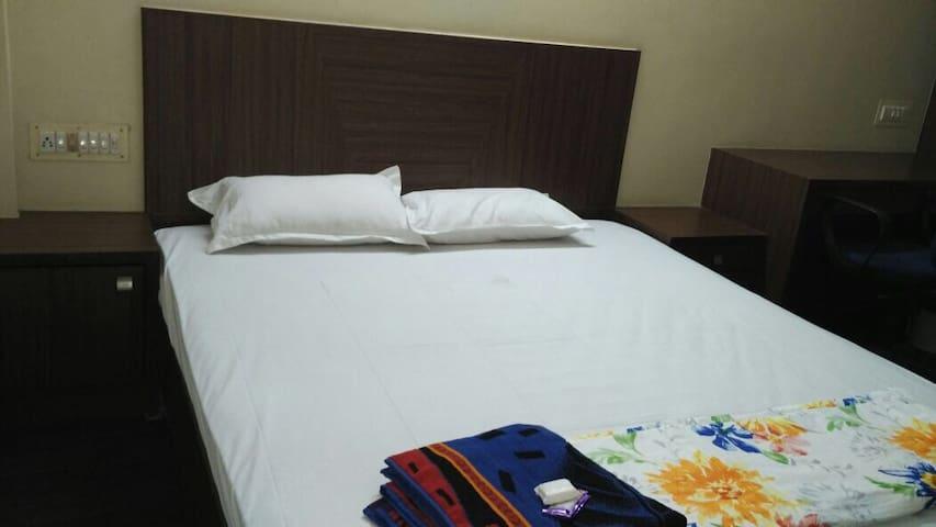 TOP LOCATION TOP PRICE 2 BEDROOM