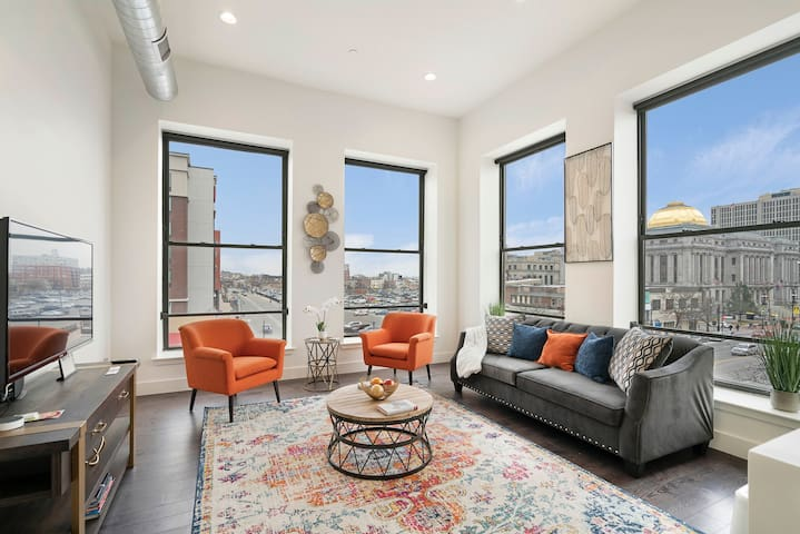 Stylish 1BR King-Near Prudential Center & NJPAC