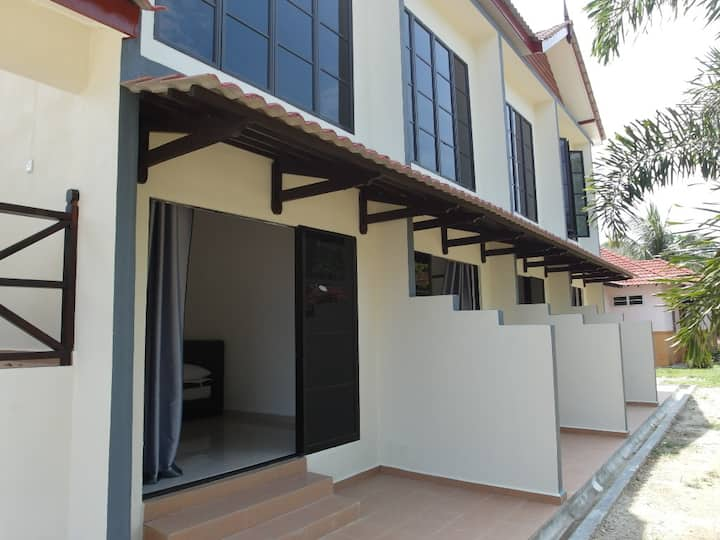 Kalong Bay Homestay - Villa 3 (Room 3)