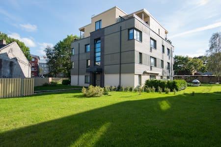 Terrace, quiet, quality bed, 5min walk to Old Town - Tallinn