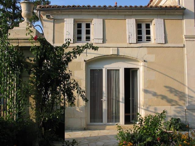 Petit logement confortable à la campagne - Saint-Mard - 一軒家