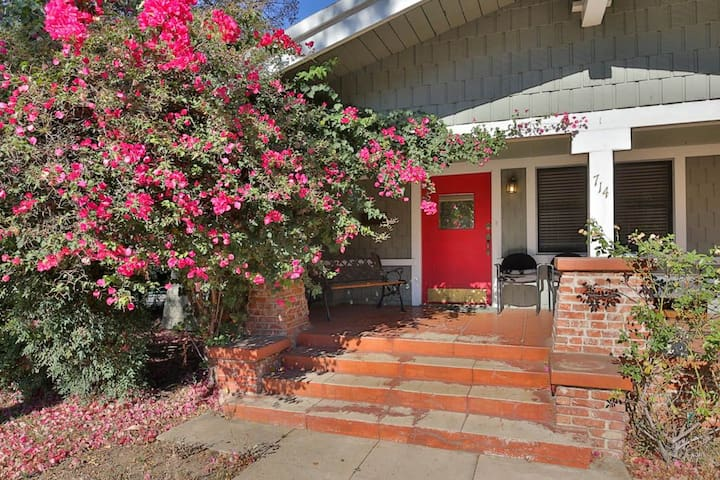 Comfy Bungalow for 7-12 day Stay in South Pas - South Pasadena - Hus