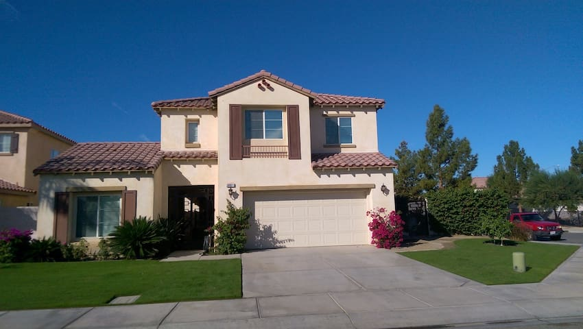 Indio/Coachella - Large Beautifully Appointed Home