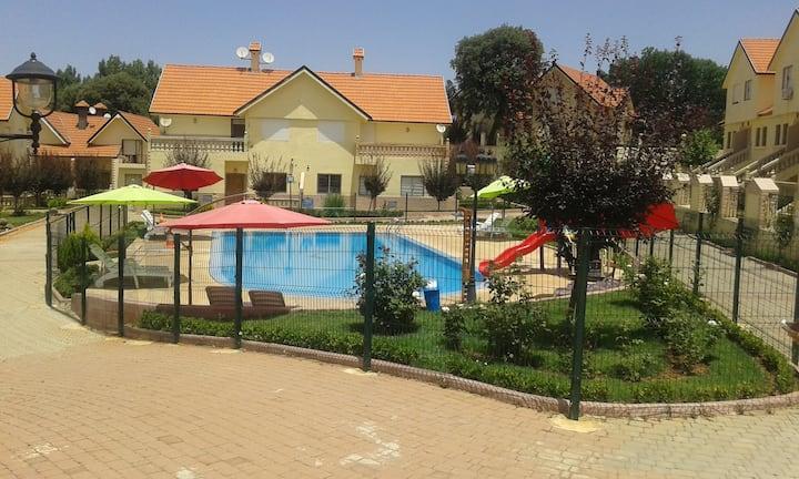 Duplex sympa avec piscine