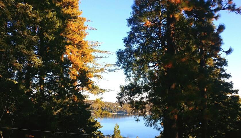 Breezy Lakeview Hideaway-Lake Arrowhead